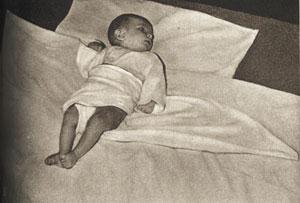 Пеленание грудного ребенка